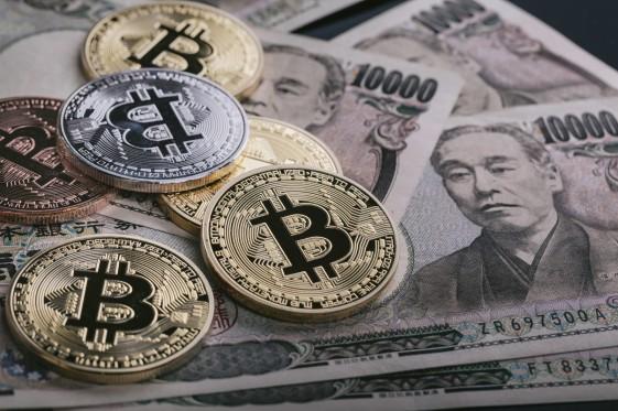 bitcoinPAKU5994_TP_V.jpg
